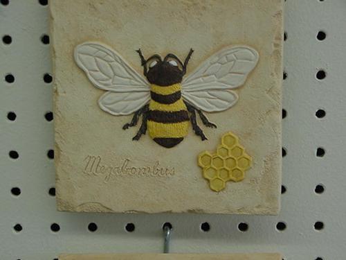 """Bee Plaque 5.5"""""""