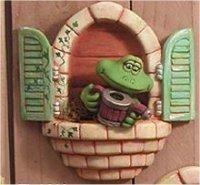 "Window Frog w/Watering Can 8.5""t"
