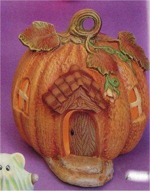"""Pumpkin House 7""""t"""